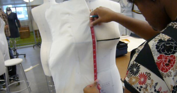 Draping for Fashion Design - Creative Techniques Made Simple